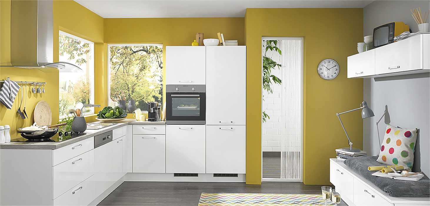 Classicküche Frühling in Weiß glänzend