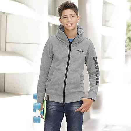 Jungen: Sweatshirts & -jacken
