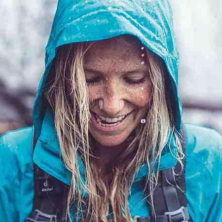 Damen: Sportbekleidung: Sportjacken: Regenjacken
