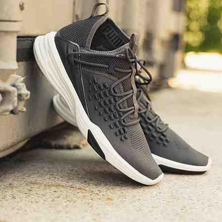 Schuhe: Sportschuhe