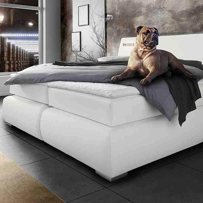 Möbel: Betten