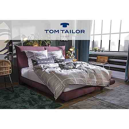 Moderne und hochwertige Heimtextilien von Tom Tailor für ein gemütliches zu Hause - von Gardinen & Vorhängen über Bettwäsche und Kissen bis zu Teppichen & Bodenbelägen!