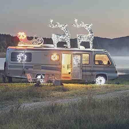 Weihnachtliche Außendekoration