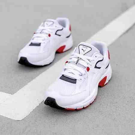Schuhe: Sneaker