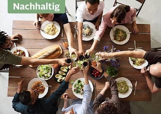 Hier findest du nachhaltige Tipps für deine Dinner-Party mit Familie und Freunden