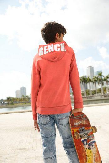 Bench. Kapuzensweatshirt mit bedruckter Kapuze