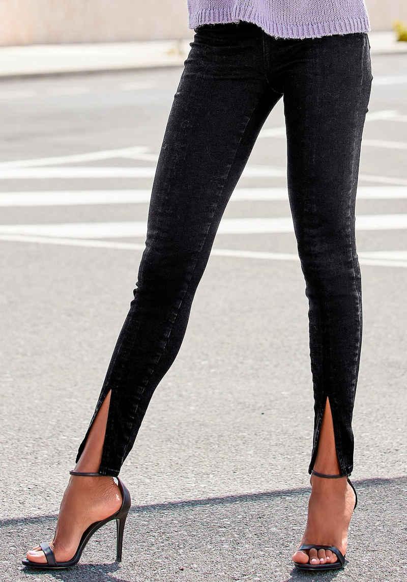 LASCANA High-waist-Jeans mit Schlitzen am Saum