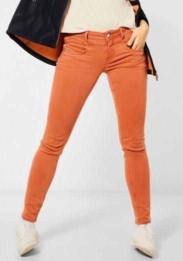 STREET ONE Slim-fit-Jeans »York« mit schimmerndem Label-Badge hinten