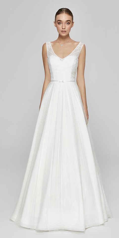 Bride Now! Maxikleid »Brautkleid in A - Linie aus Spitze und Tüll« comfortable to wear, with Lace top with geometric motifs