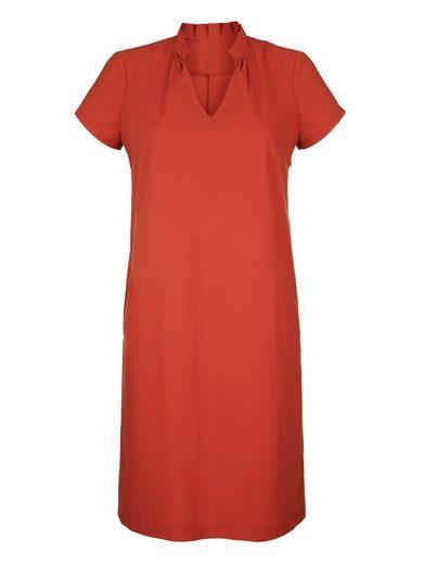 Amy Vermont Kleid mit Rüschen am Stehkragen