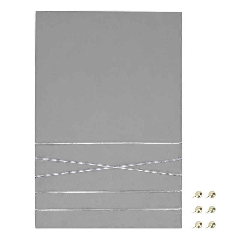 Navaris Pinnwand, Collage Fotowand aus Samt - 44x30cm Bilderhalter - Fotohalter mit Schnur - für Fotos Bilder Postkarten - inkl. Stecknadeln