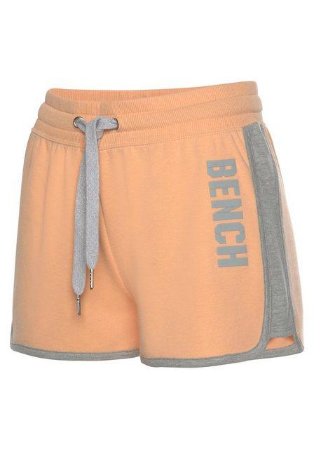 Hosen - Bench. Sweatshorts »Contrast« mit kontrastfarbenen Einsätzen und Logodruck › orange  - Onlineshop OTTO