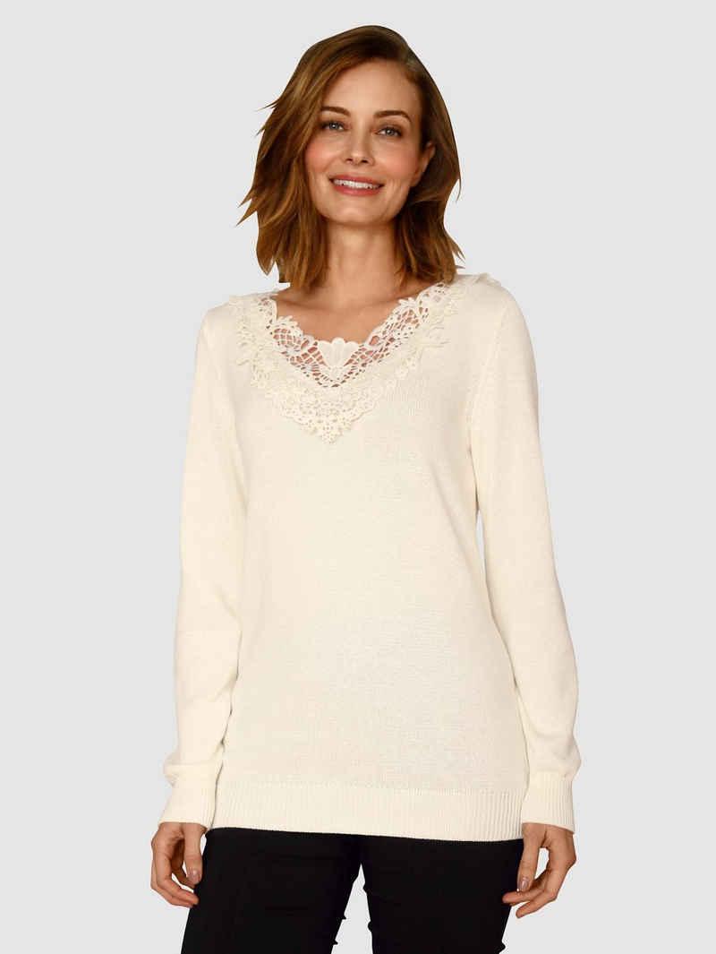 Paola V-Ausschnitt-Pullover mit Spitzenapplikation