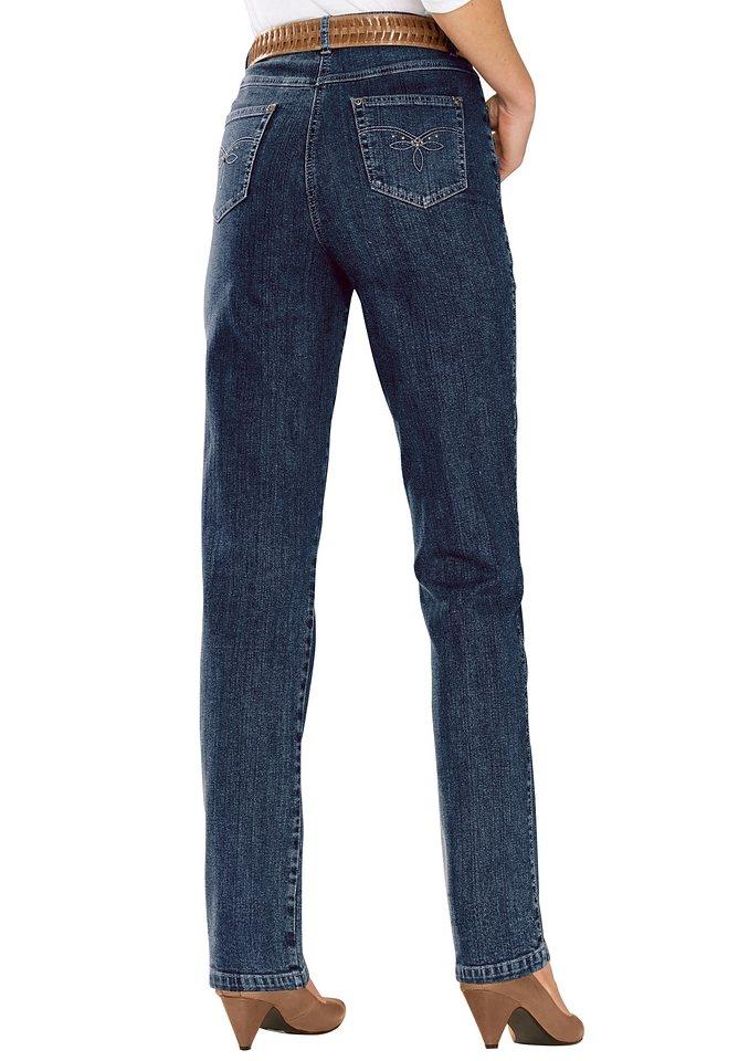 Schwarze jeans riecht nach chemie