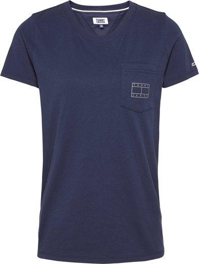 TOMMY JEANS Rundhalsshirt »TJW LOGO POCKET TEE« mit metalicfarbener Tommy Jeans Logo-Flag auf der Brusttasche