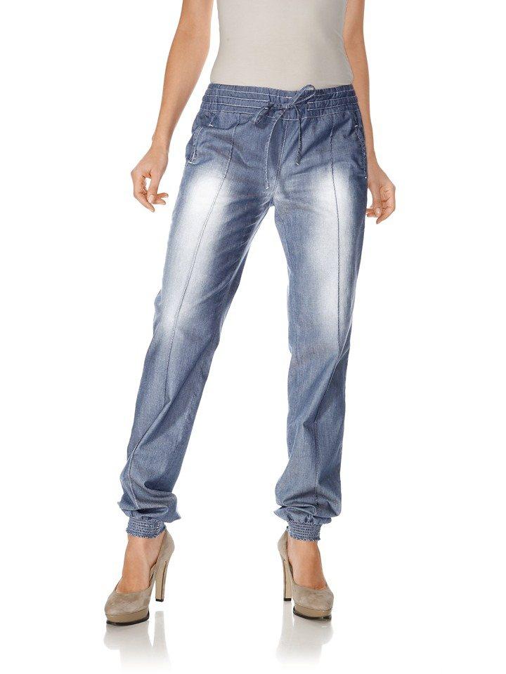 Jeans in blue denim