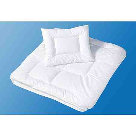 Bettdecken & Kopfkissen gibt es für jede Anforderung: Warme Decken für kalte Wintertage, dünne für heiße Sommertage ebenso wie Vier-Jahreszeiten-Bettdecken für das ganze Jahr.