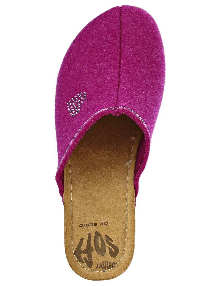 Clogs in pink