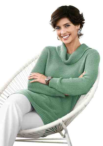 Collection L. Pullover mit halsfernem Rollkragen