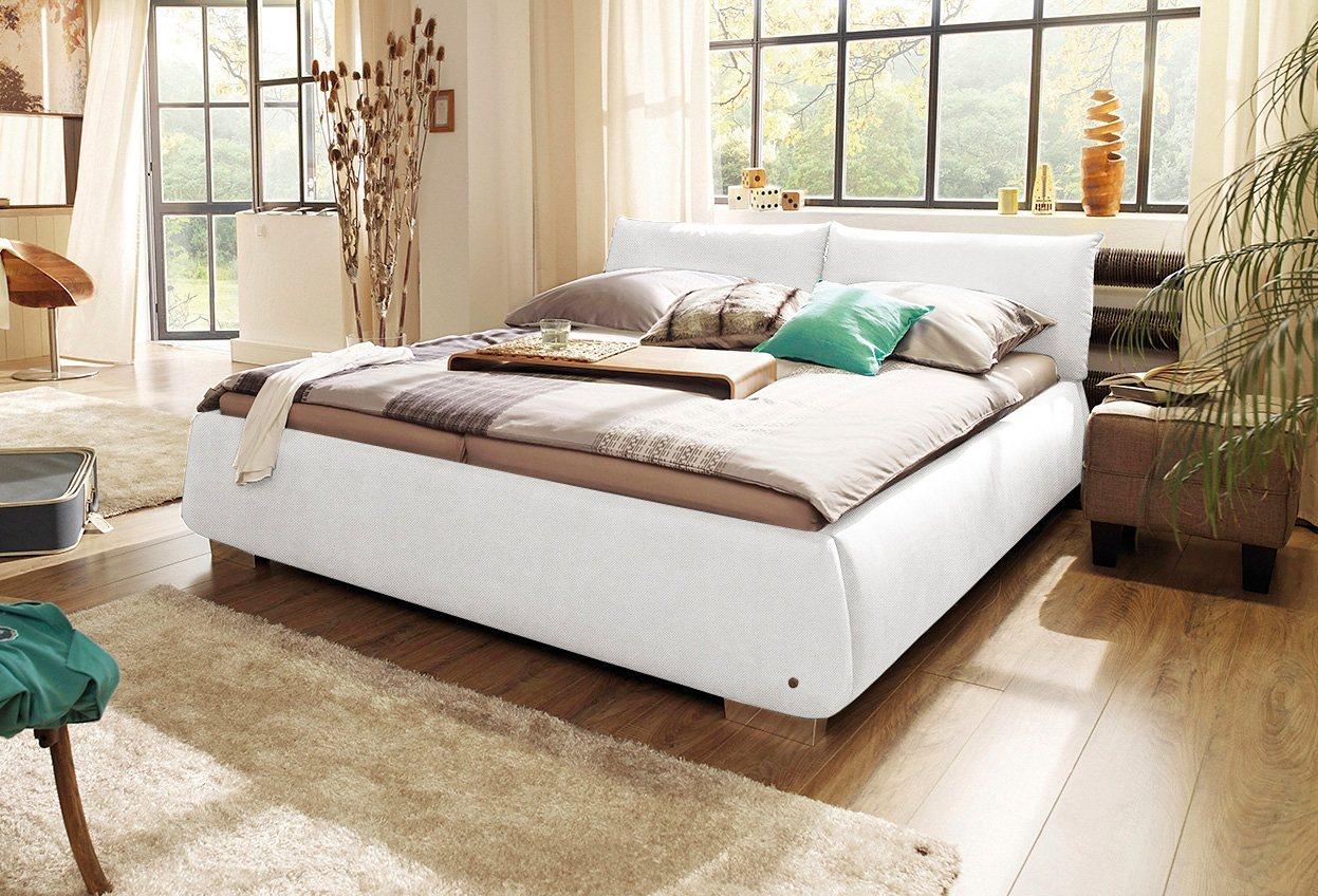Betten mit lattenrost und matratze nussbaum for Betten 200x200 mit lattenrost und matratze