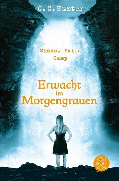 Broschiertes Buch »Erwacht im Morgengrauen / Shadow Falls Camp Bd.2«