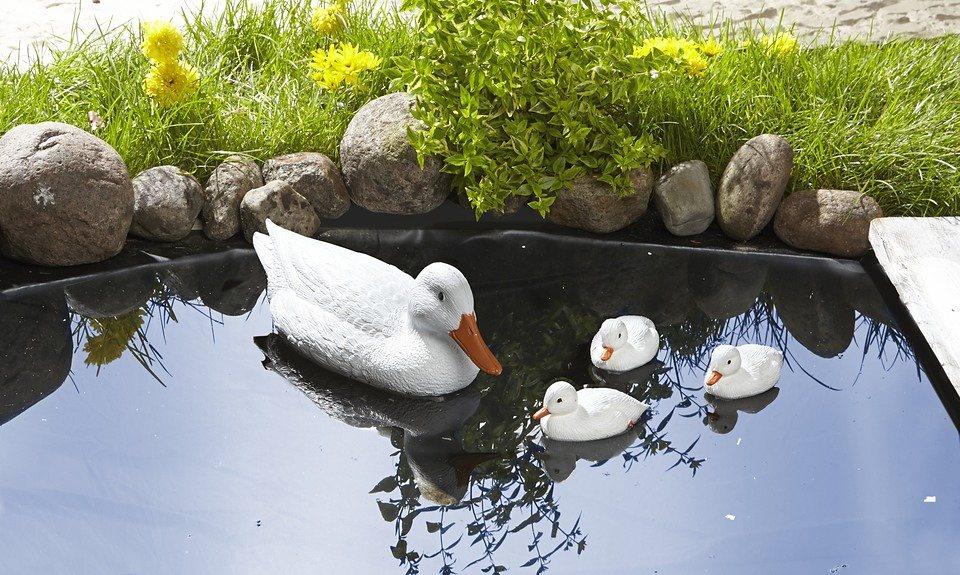 Teichfigur »Entenfamilie« in weiß