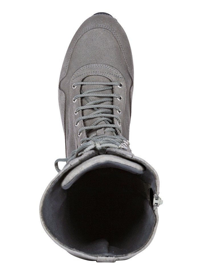Stiefel in grau