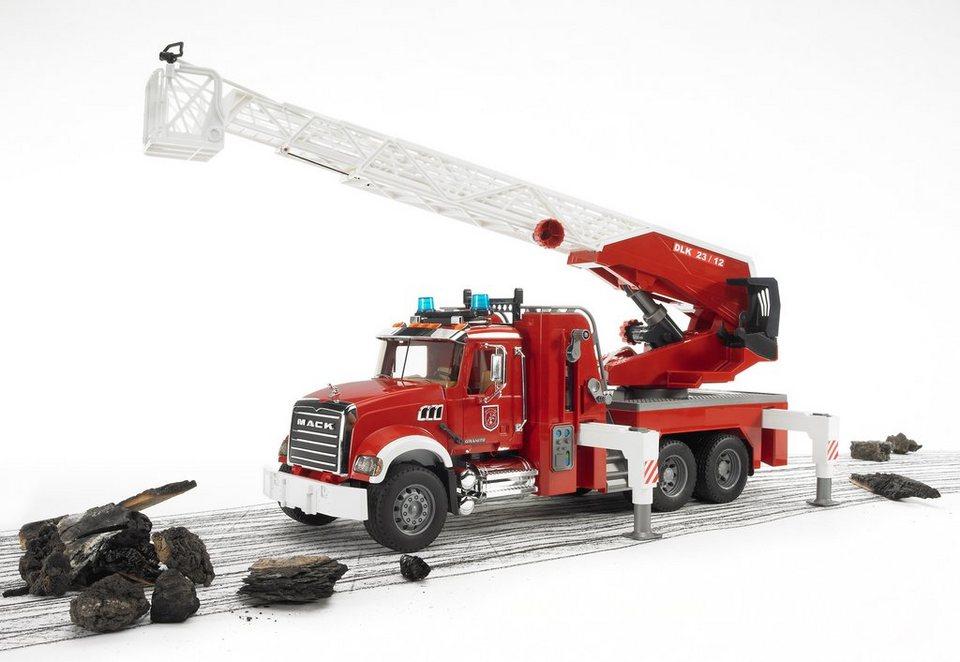 bruder® Feuerwehrleiterwagen mit Pumpe, »Mack Granite« in rot
