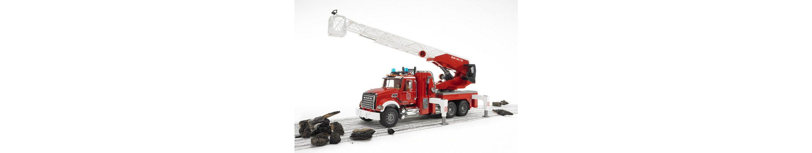 bruder® Feuerwehrleiterwagen mit Pumpe, »Mack Granite«