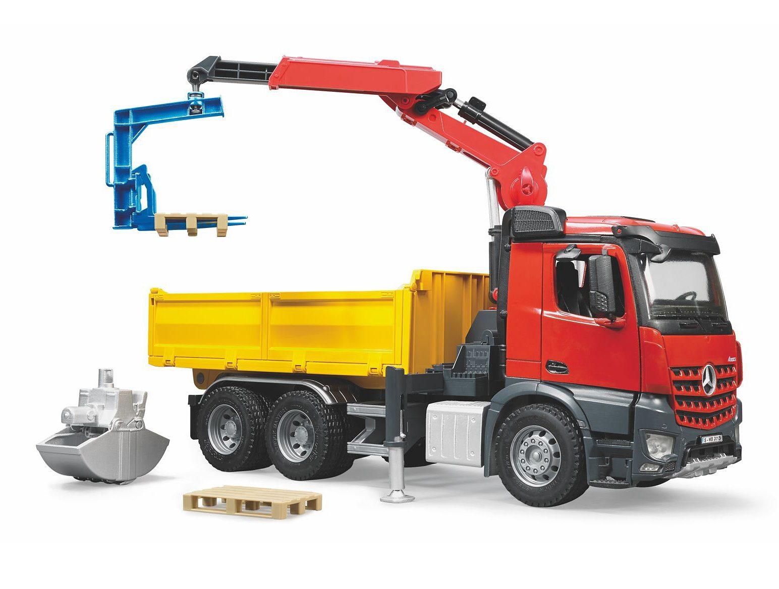 bruder® Baustellen-LKW mit Kran und Zubehör, »Mercedes Benz Arocs«