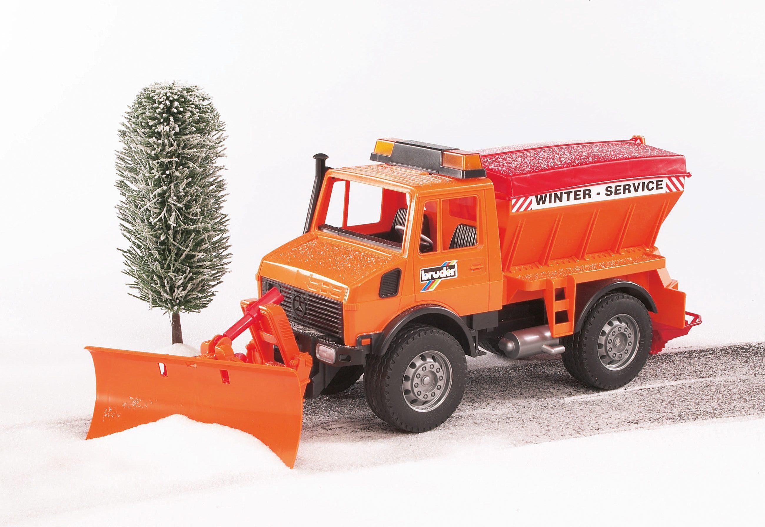 bruder® Winterdienst mit Räumschild 02572, »MB-Unimog«