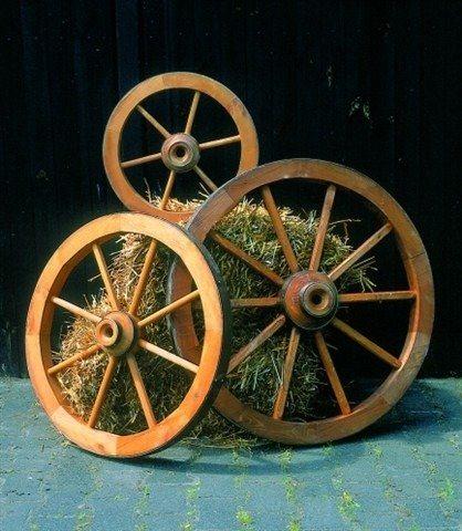 Wagenrad, klein in braun