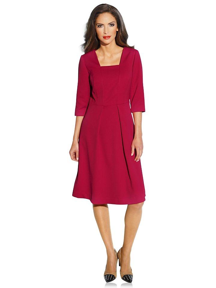 Class International Prinzesskleid in rot