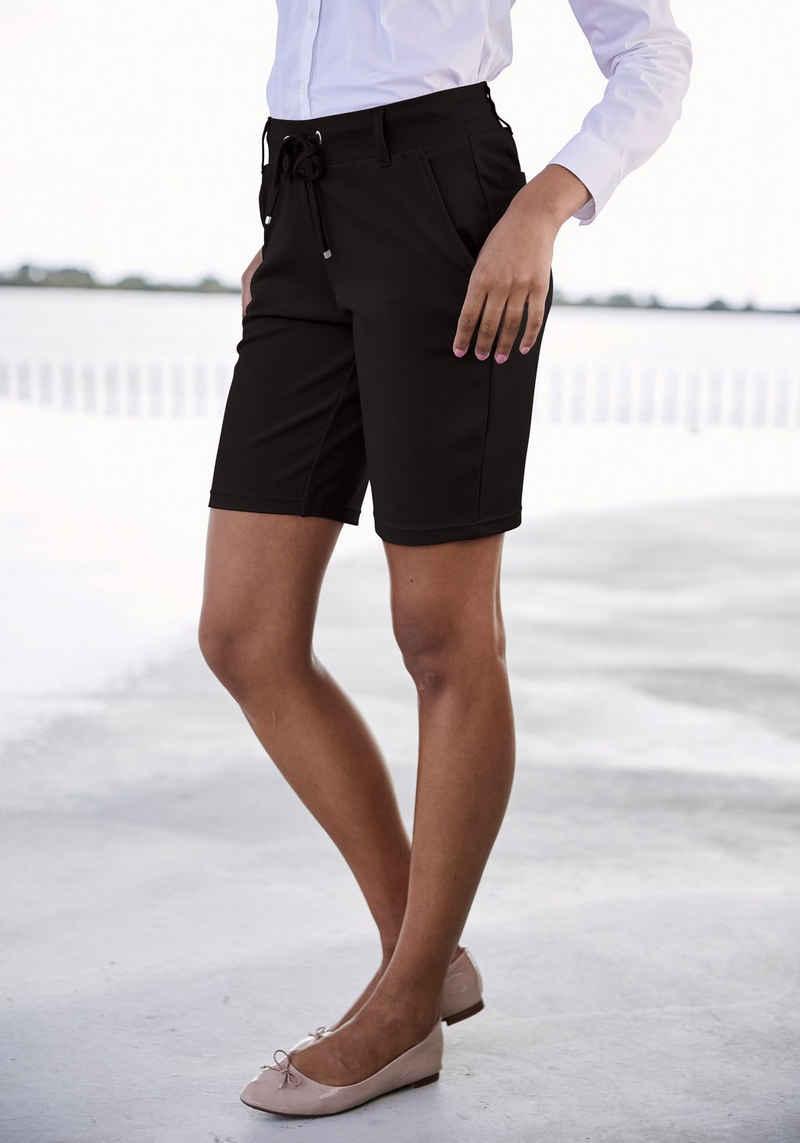 LASCANA Shorts mit Gürtelschlaufen und Bindeband