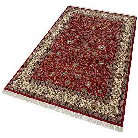 Unsere Orientteppiche überzeugen durch traditionelle Muster und Designs in allen gängigen Maßen und Formen.