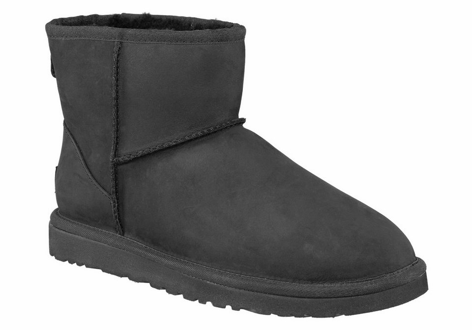 UGG »Classic Mini Leather« Stiefel in schwarz