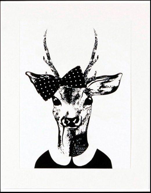Home affaire gerahmter Kunstdruck »Reh-Frau in Spaziergang-Kleidung«, 33/43 cm