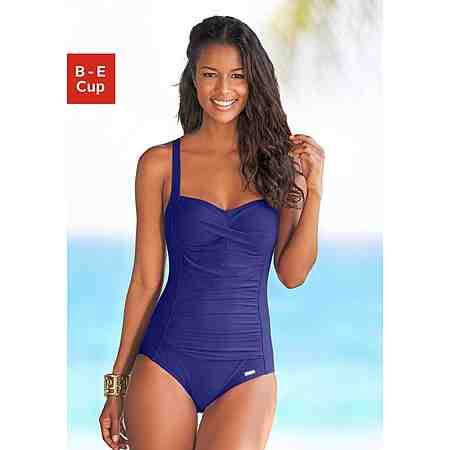 Badeanzüge zaubern die perfekte Silhouette und zeigen Sie in, am und unter Wasser immer in Bestform: fantastisch feminine Badeanzüge in vielen Farben, mit stylischen Mustern und feinen Details!