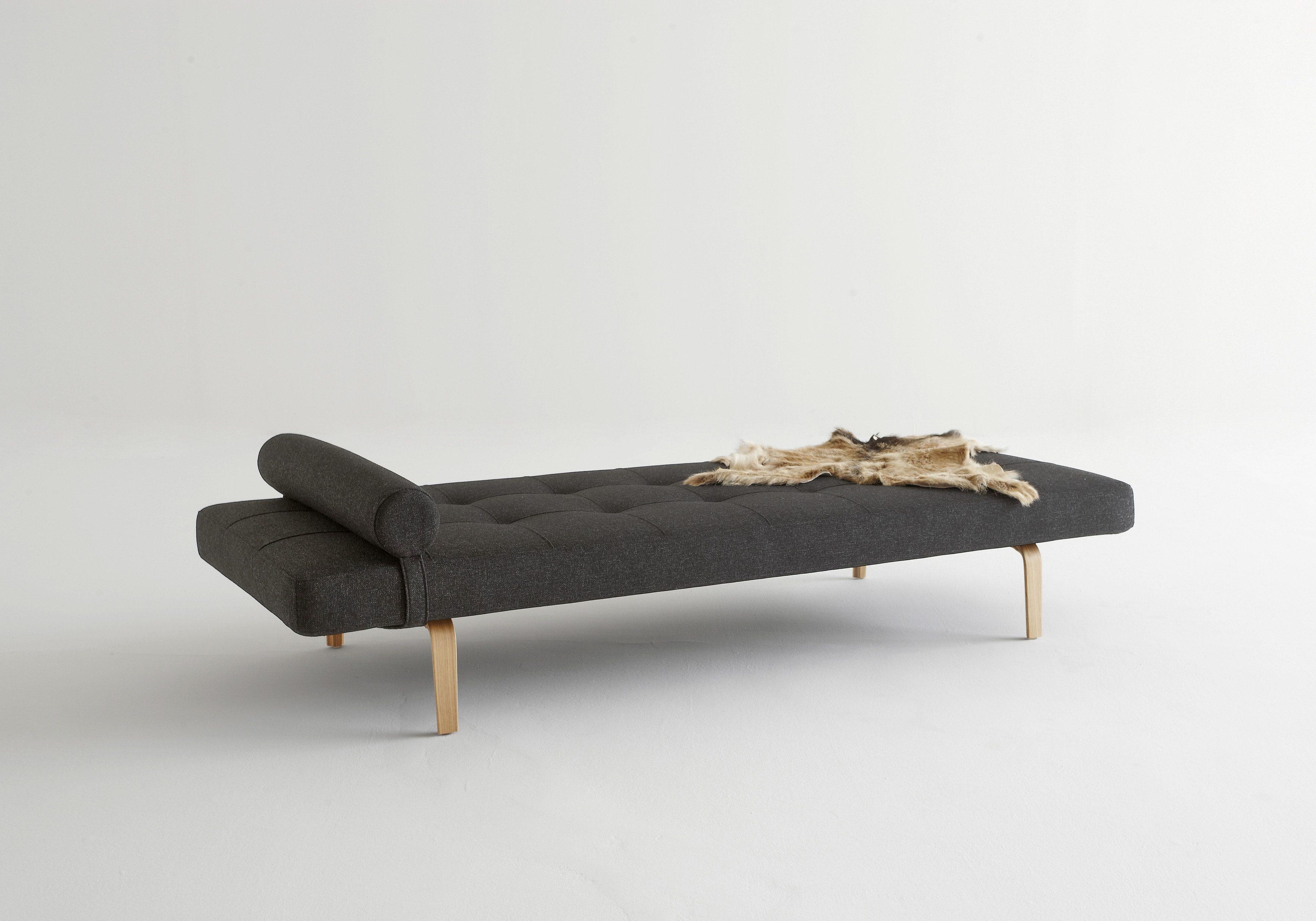 INNOVATION™ Relaxliege »Napper« im Scandinavian Design, Bow Beine, mit flexibler Kissenrolle