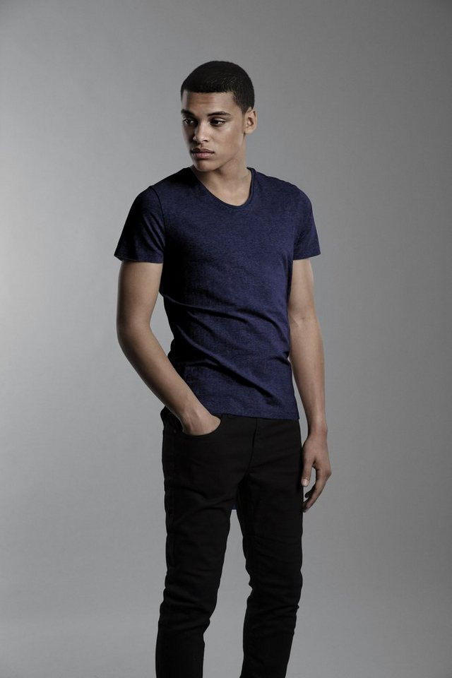 Casual Friday T-Shirt in Navy