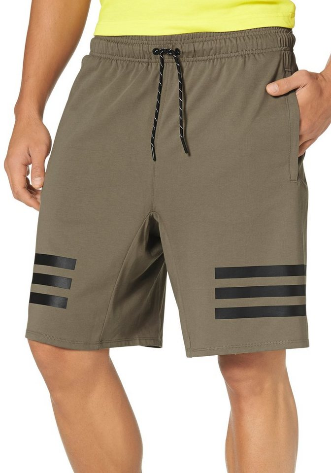 adidas Performance ESSENTIALS LINEAR 3 S SHORT Shorts in Khaki