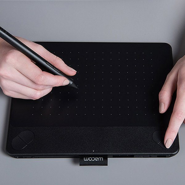 Wacom Stift-/Touchtablet »INTUOS COMIC BLACK «