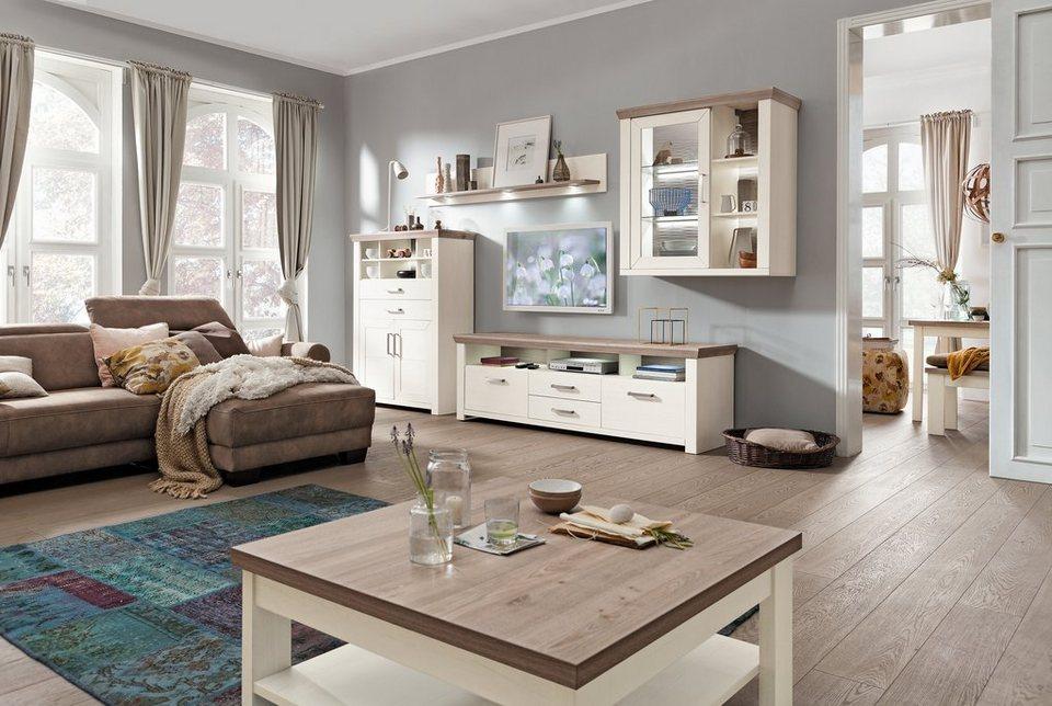 Wohnzimmer im landhausstil freundlich hell gemütlich