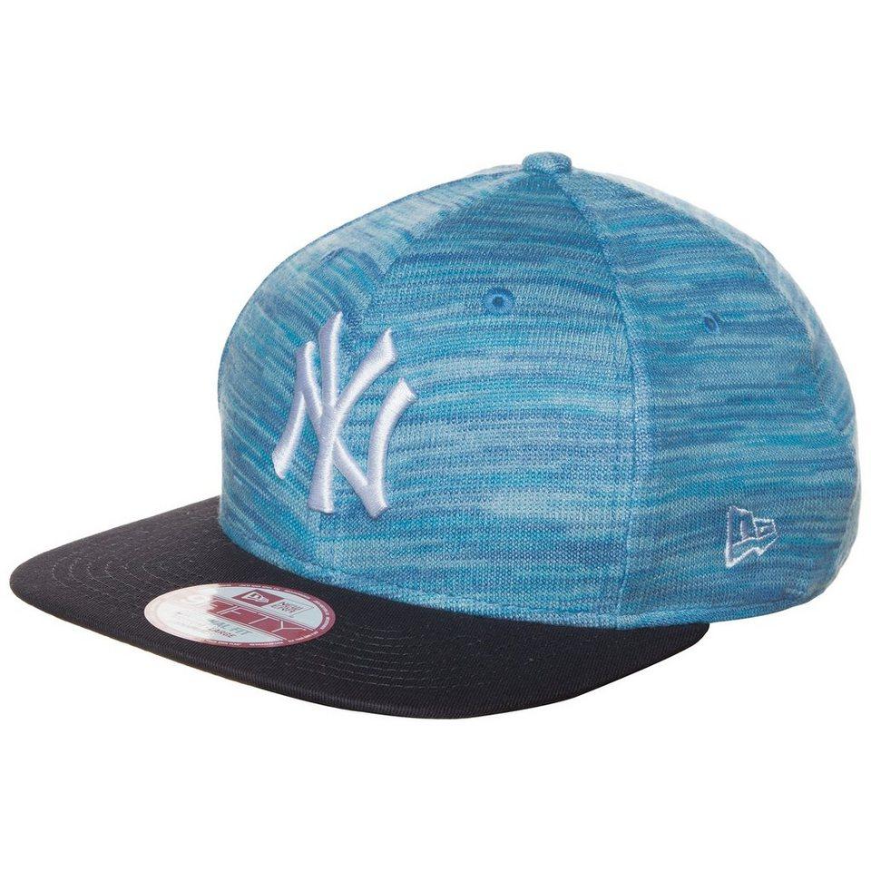 New Era 9FIFTY MLB Lightweight Knitted New York Yankees Snapback Cap in blau / schwarz