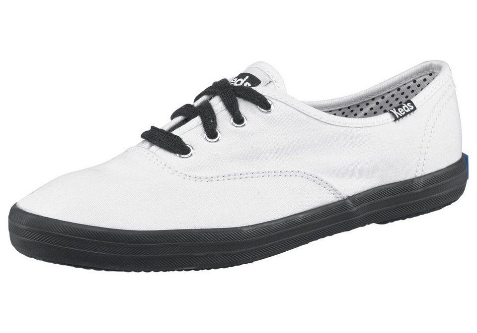 Keds Champion Canvas Sneaker in Weiß-Schwarz