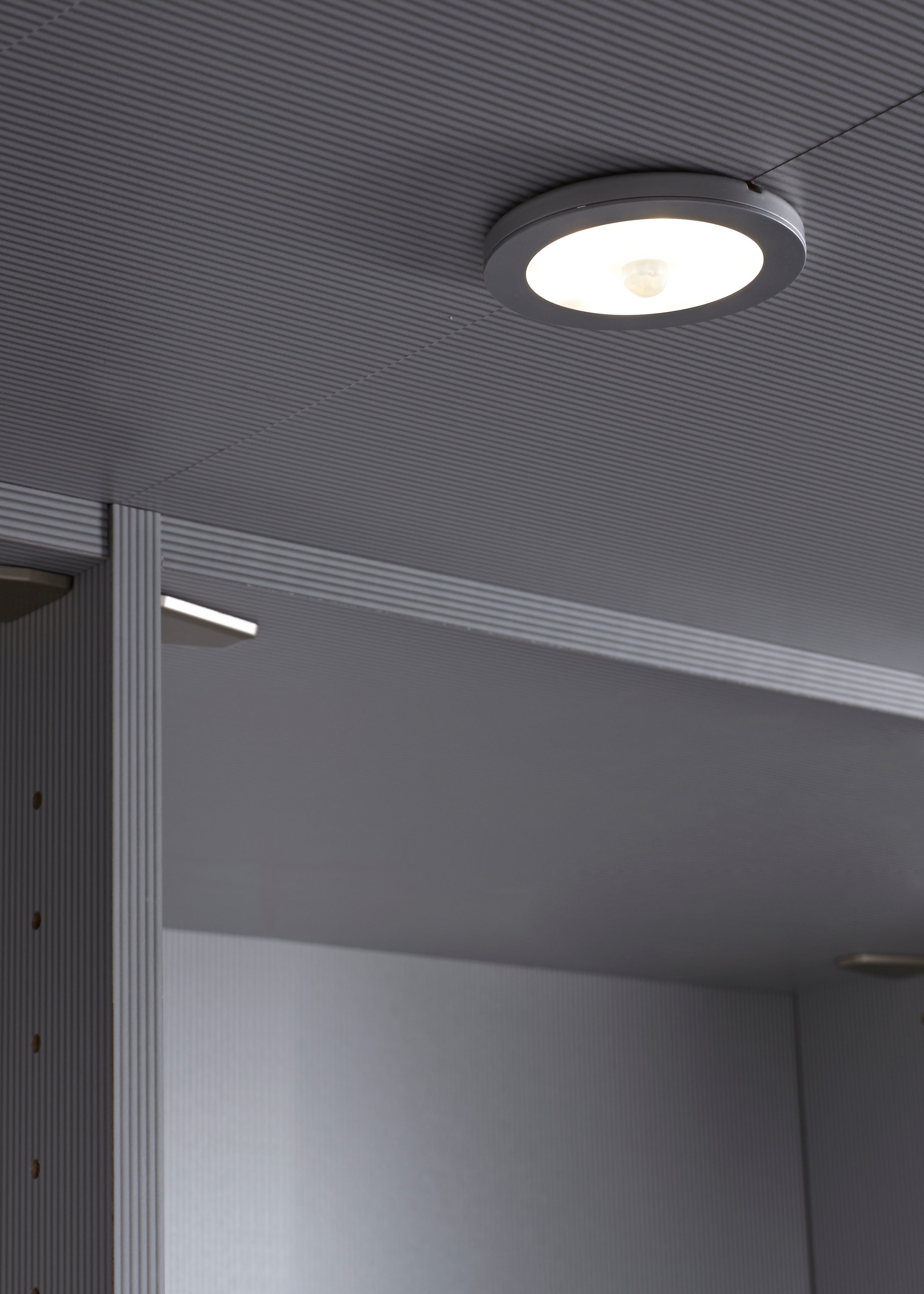 WIEMANN LED Innenbeleuchtung für den begehbaren Kleiderschrank »Multiplus«