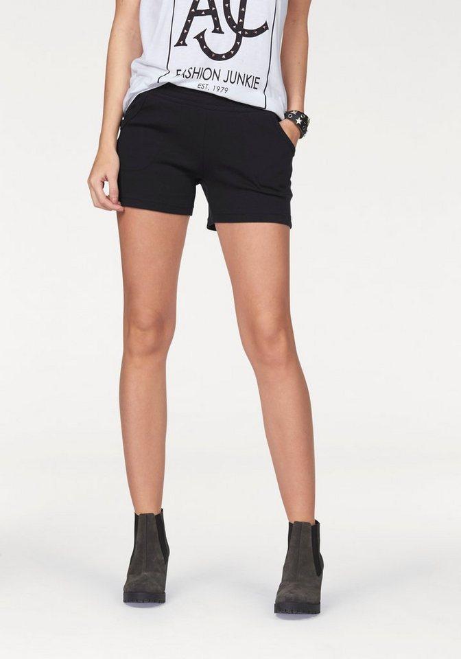 AJC Shorts aus Sweat Ware in schwarz