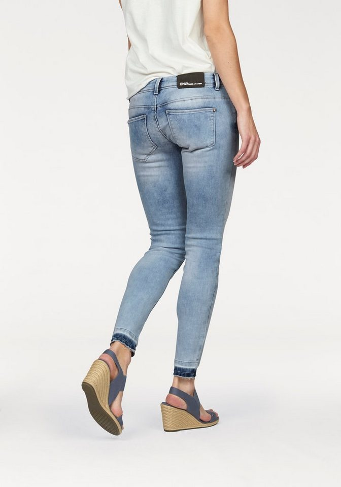 Only Destroyed-Jeans »Coral« mit offem Saum in blue-denim