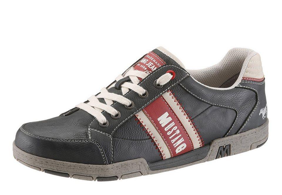 Mustang Sneaker in schwarz used