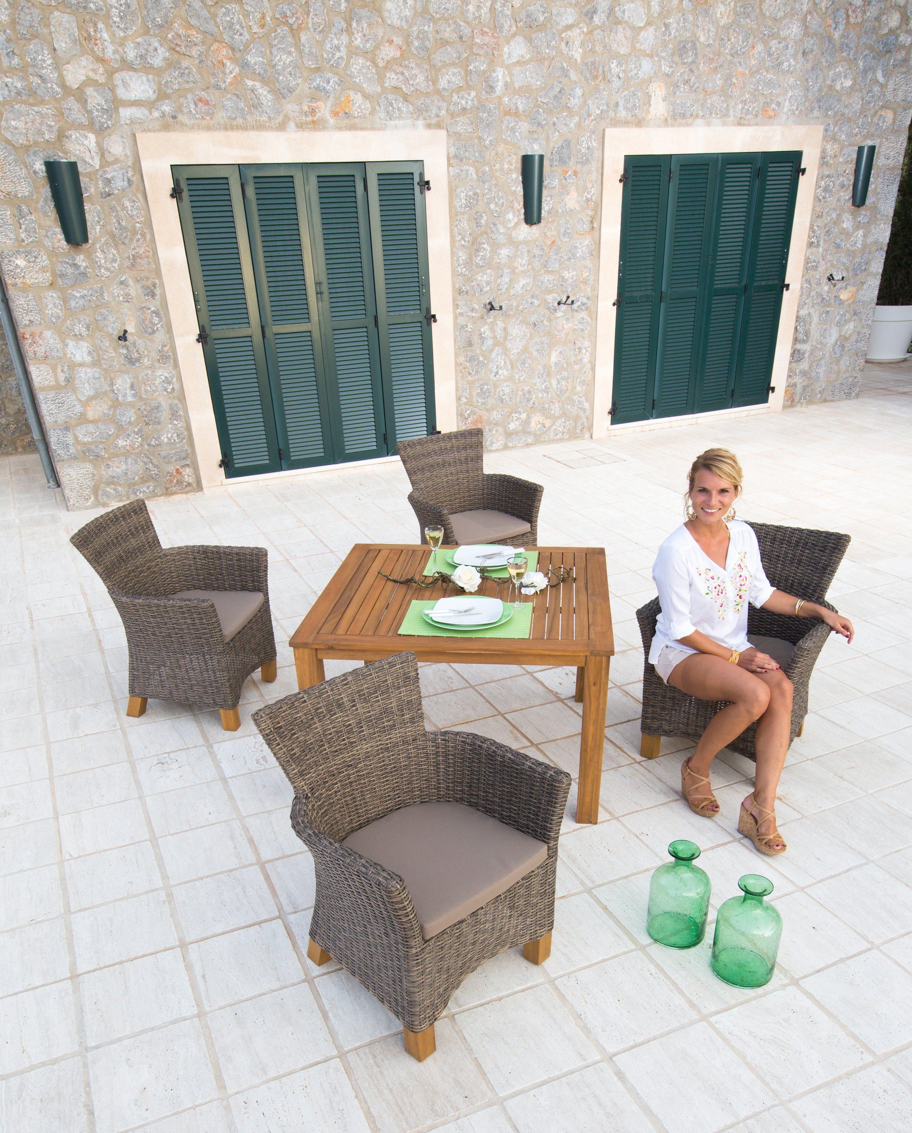 Bequeme Balkonmobel Fur Kleinen Balkon :  tgl, 4 Sessel, Tisch 110×100 cm, PolyrattanAkazienholz in hellbraun